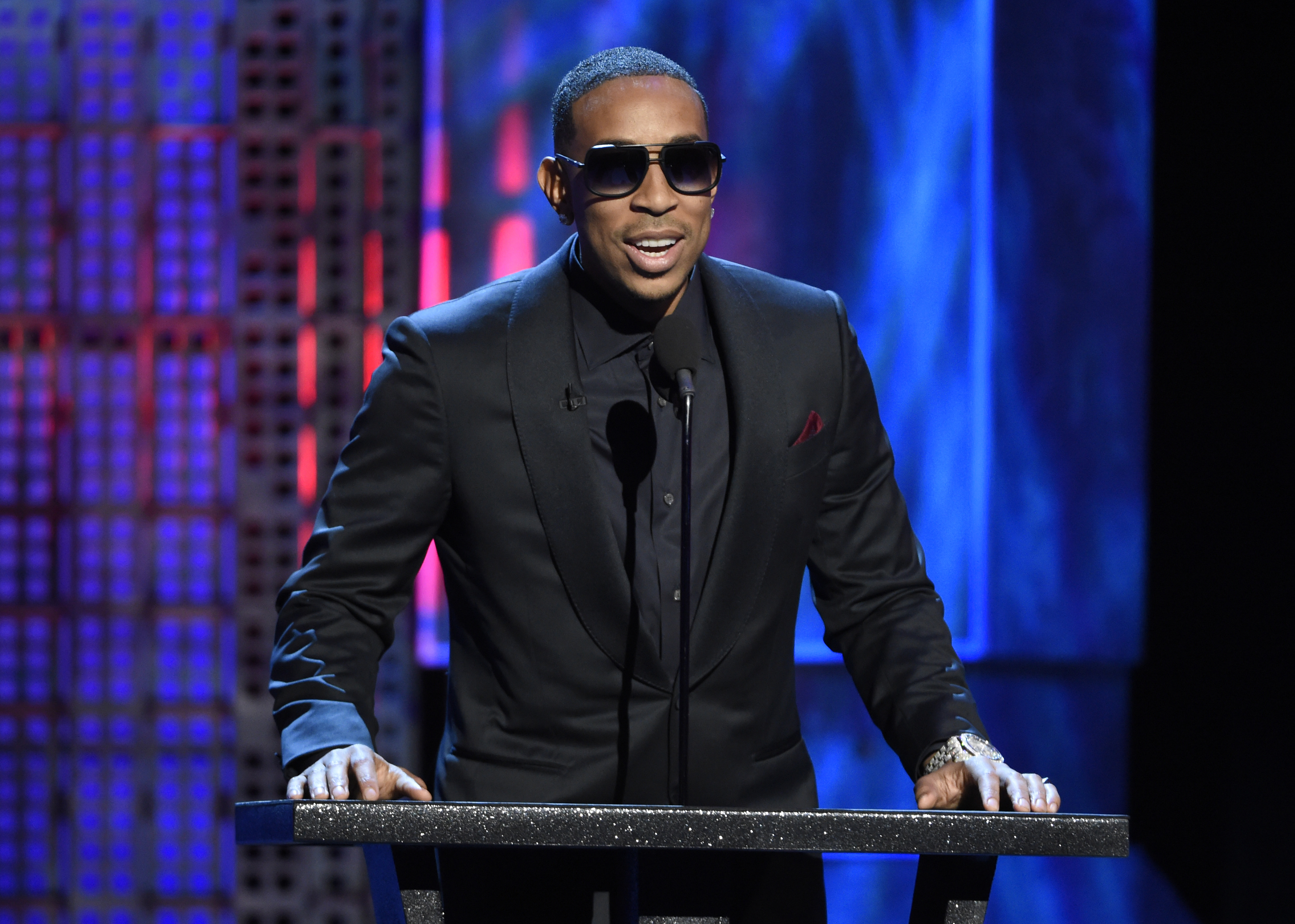 Ludacris, Chrissy Teigen to host 2015 Billboard Music Awards