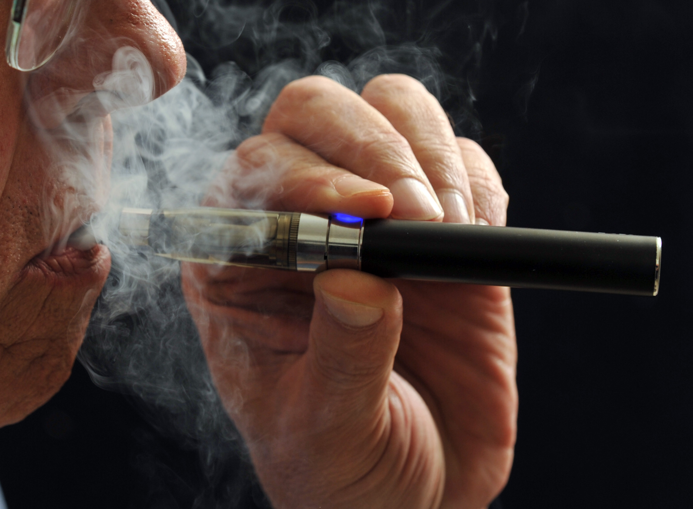 How to put weed into an e cigarette