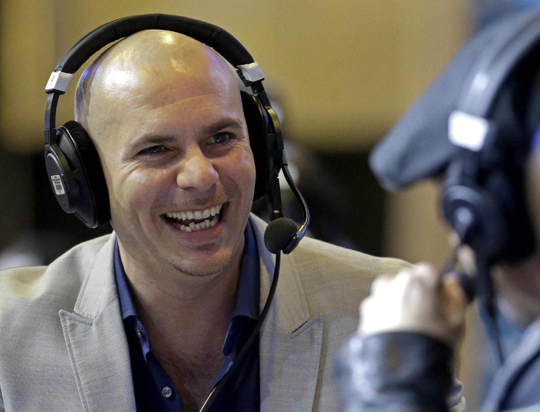 Rapper Pitbull to root for, then perform for, Patriots