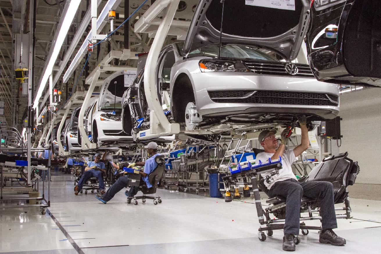 VW policy for US plant sets off labor scramble(AP Photo/Erik Schelzig, File)