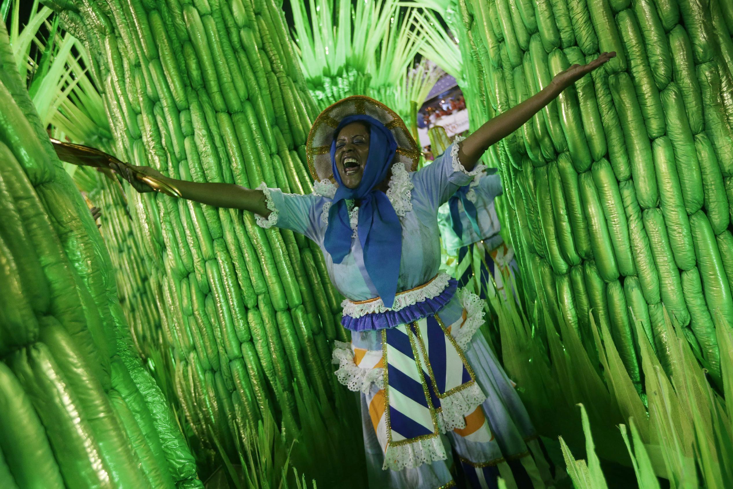 rio de janeiro's samba schools vie for title