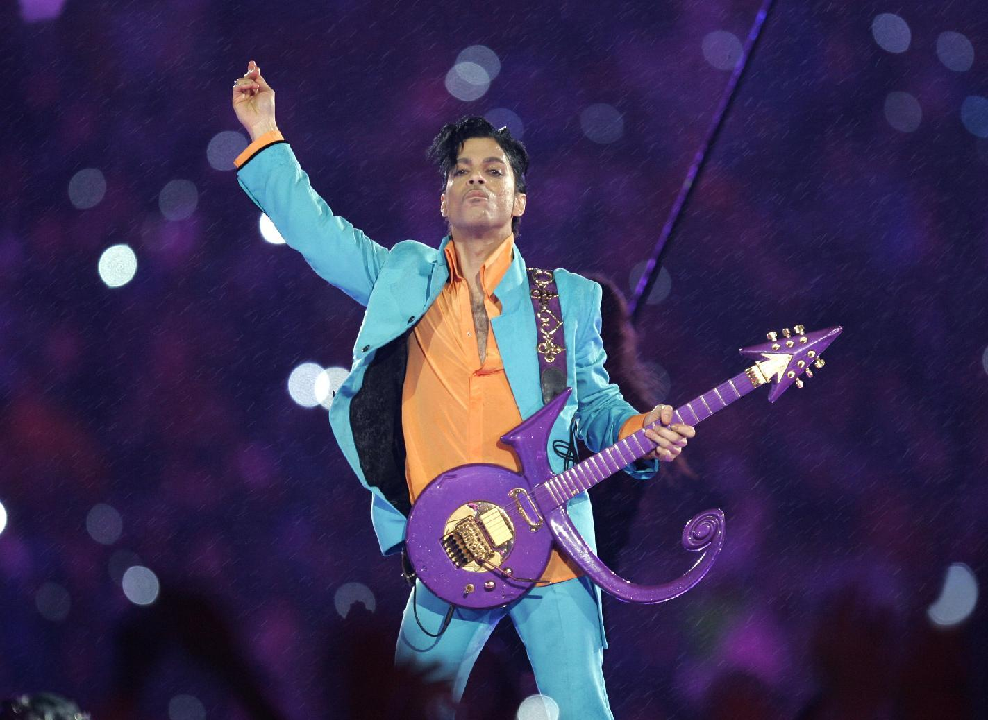 APNewsBreak: Official Prince tribute concert set for October