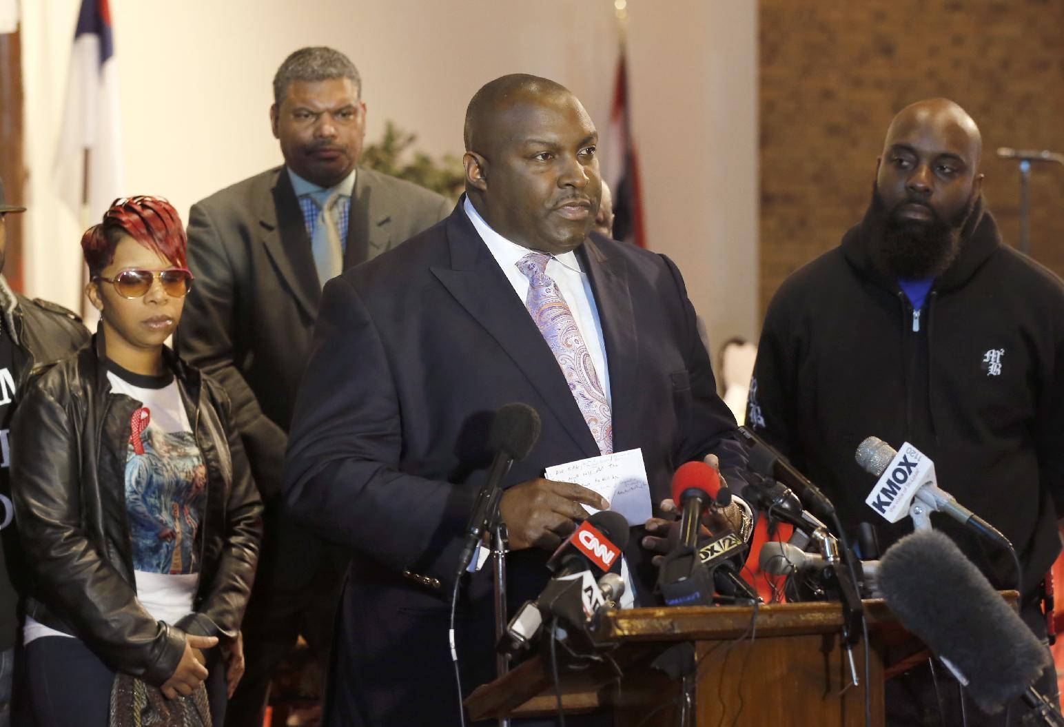 Ferguson grand jury wanted to make public statement, documents reveal
