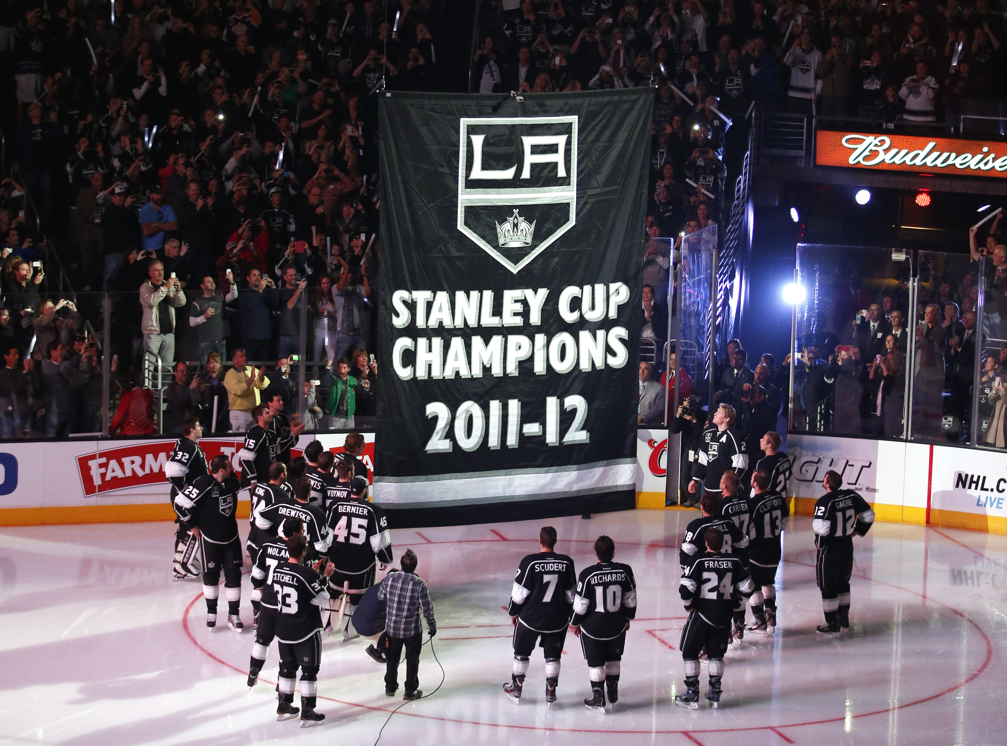 The Kings have barely resembled the team that steamrolled to the Stanley Cup last spring. (AP)