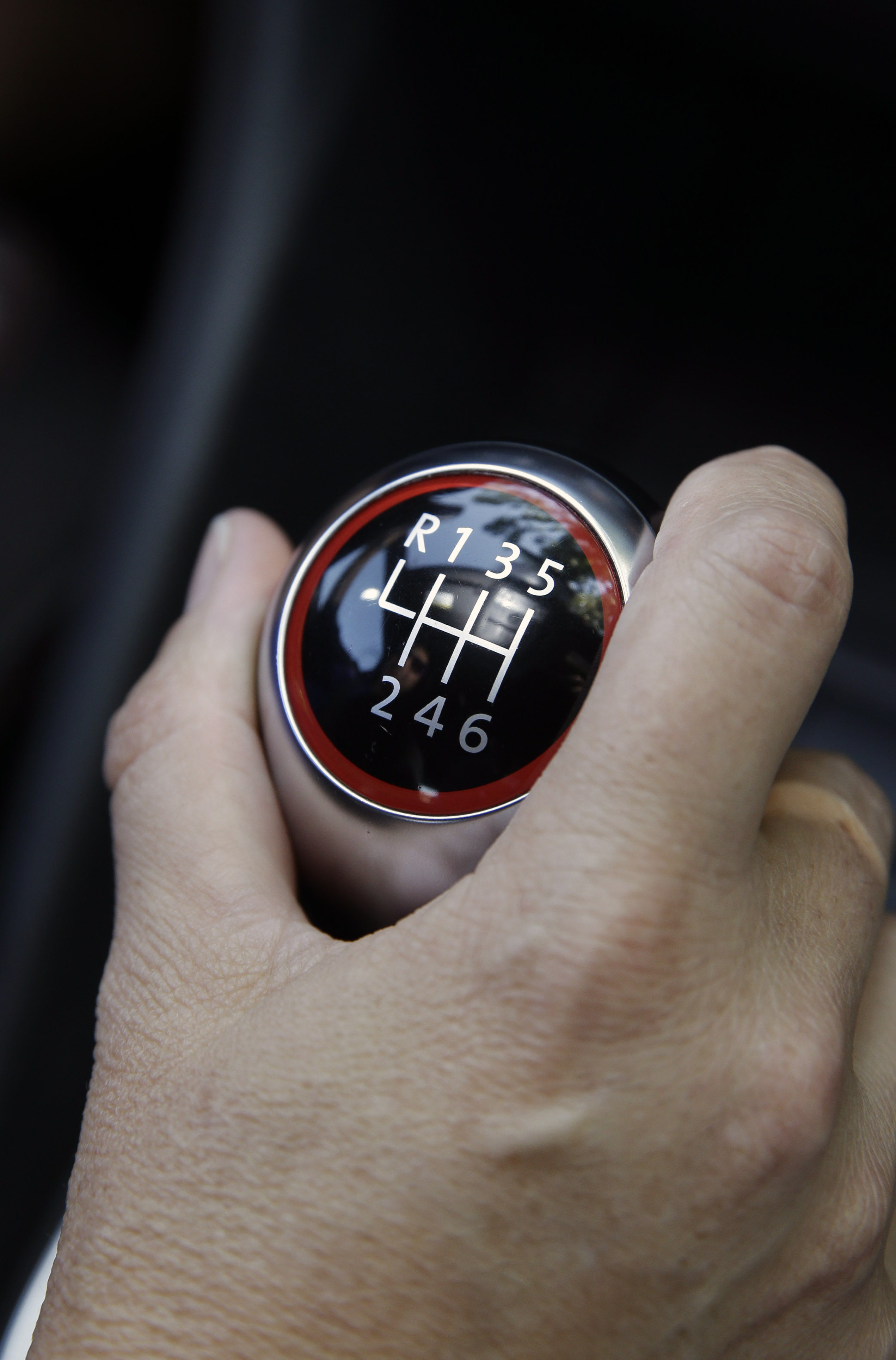 Manual transmissions getting rarer in the US