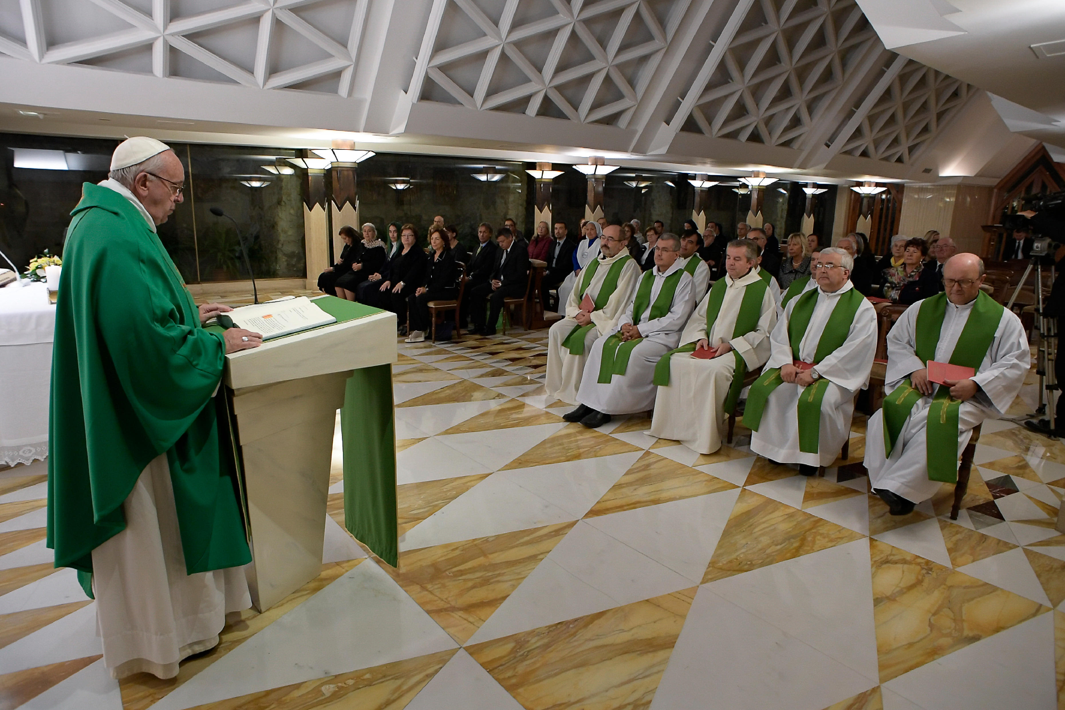 Open House: Vatican opens papal summer apartment to public