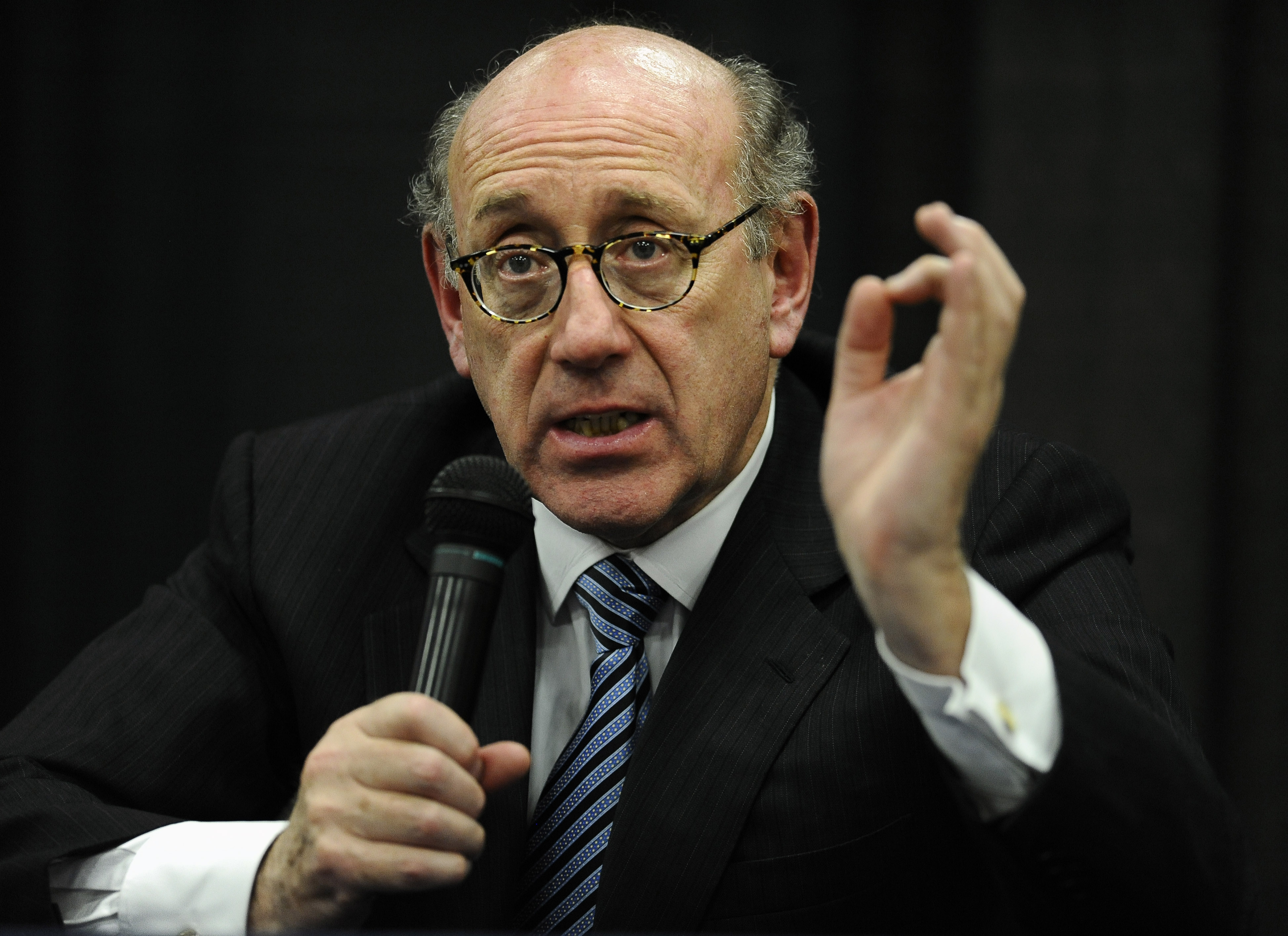 FILE - In this July 11, 2013 file photo, attorney and special adviser Kenneth Feinberg speaks at a public forum on the distribution of Newtown donations at Edmond Town Hall in Newtown, Conn. Feinberg plans to announce the terms of General Motors' plan to pay victims of crashes caused by bad ignition switches on Monday, June 30, 2014. (AP Photo/Jessica Hill, File)