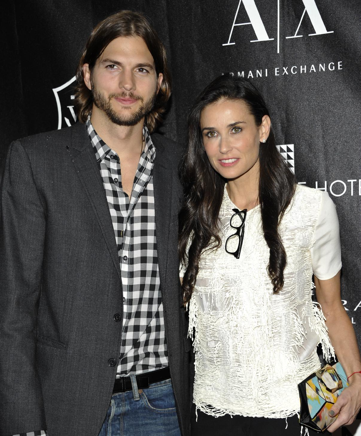 APNewsBreak: Demi Moore to divorce Ashton Kutcher