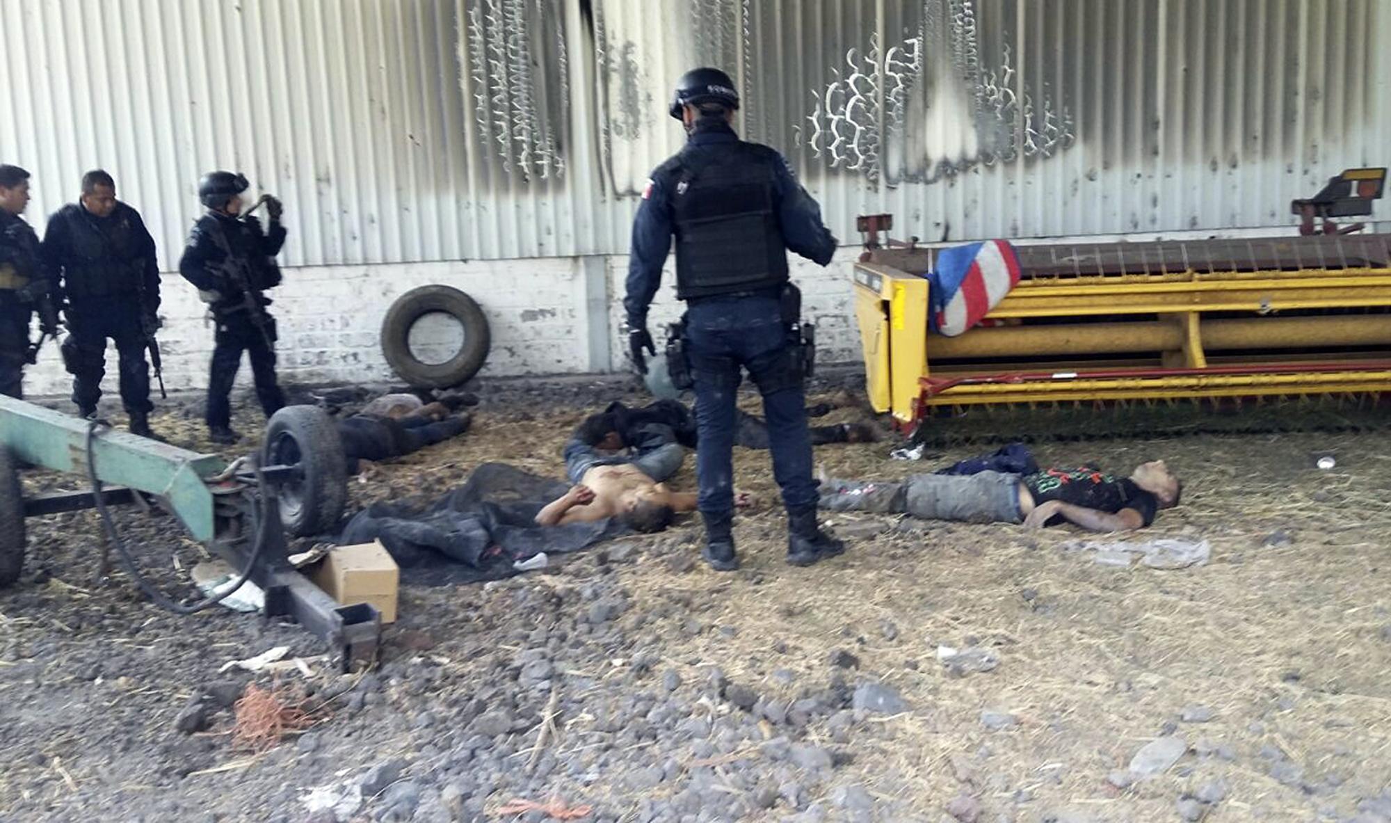 Fierce gunbattle kills 43 in west Mexico cartel territory