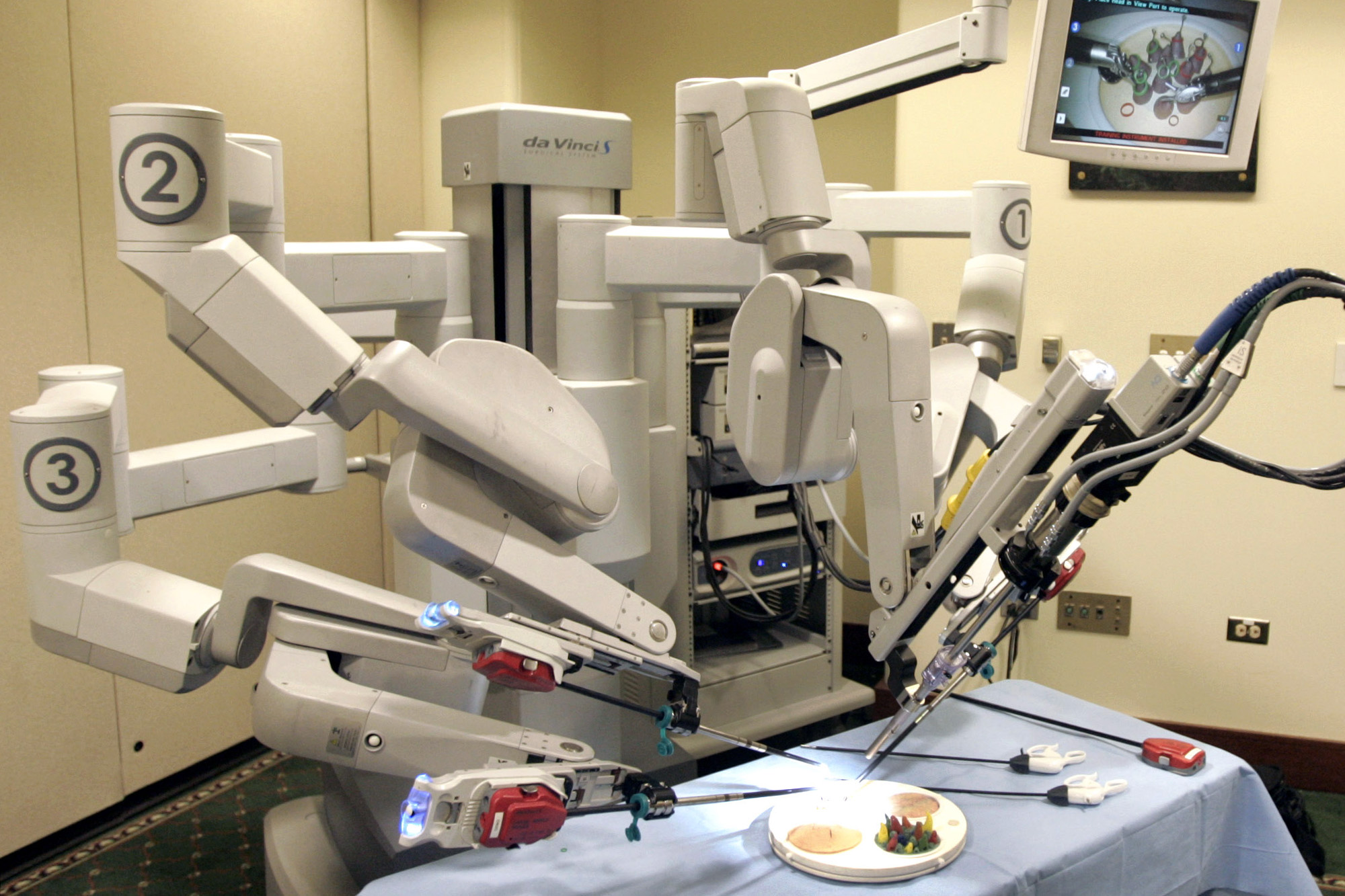 Ae da Vinci Surgical Robot at a hospital in Pittsburgh. (AP Photo/Keith Srakocic)
