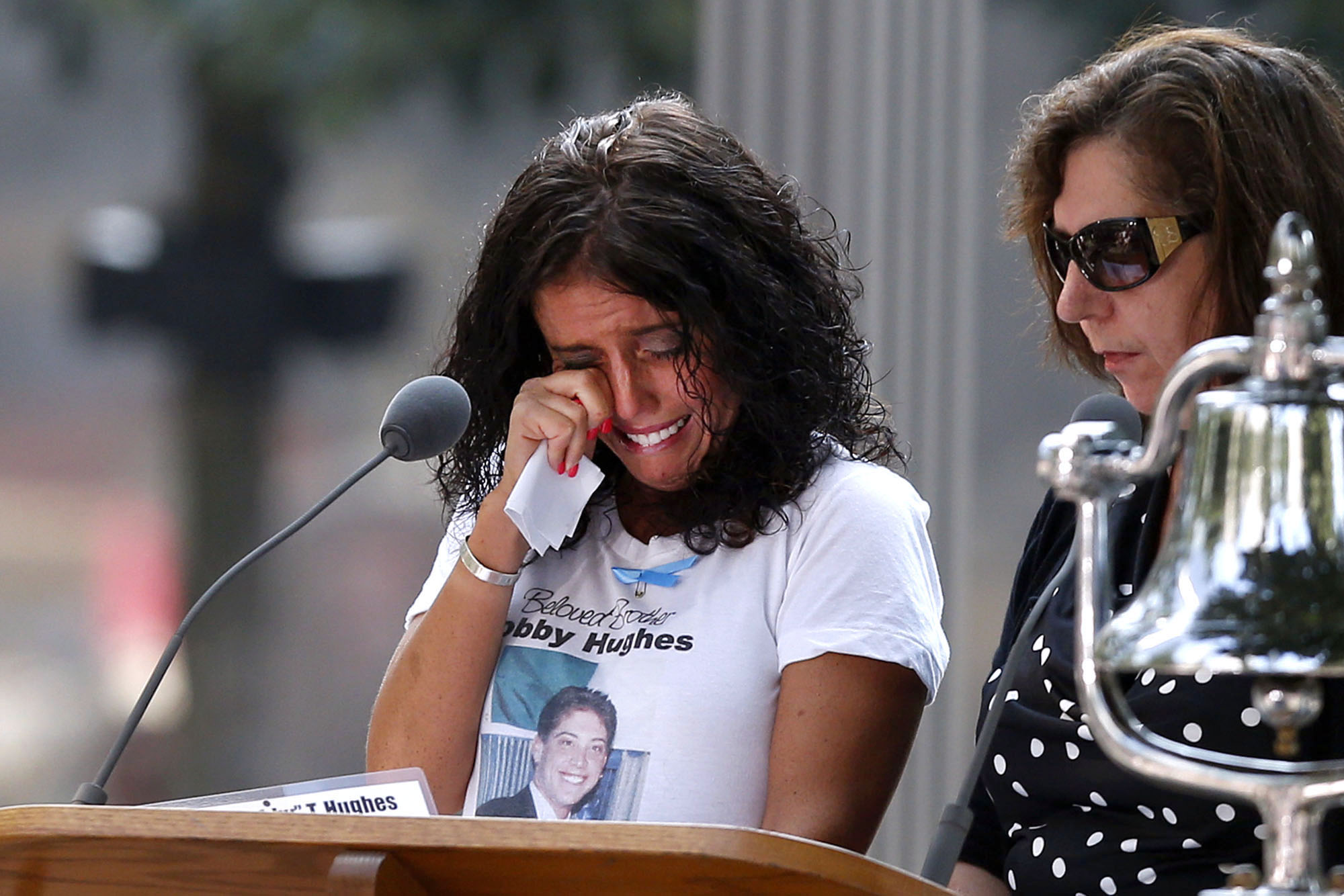 nation pays tribute to victims of 9/11 attacks