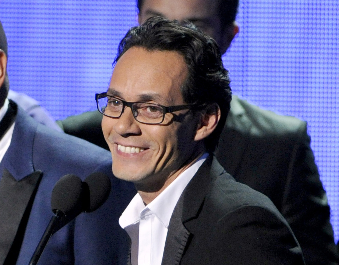 Singer Marc Anthony making pitch as sports agent