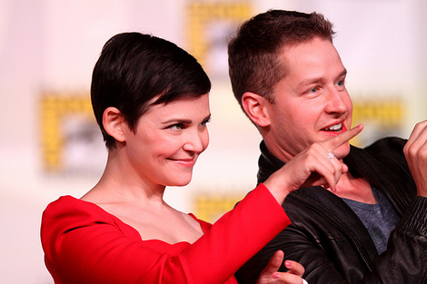 Ginnifer Goodwin and Josh Dallas at the 2012 Comic Con