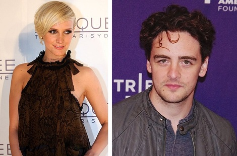 Ashlee Simpson and Vincent Piazza have called it quits.