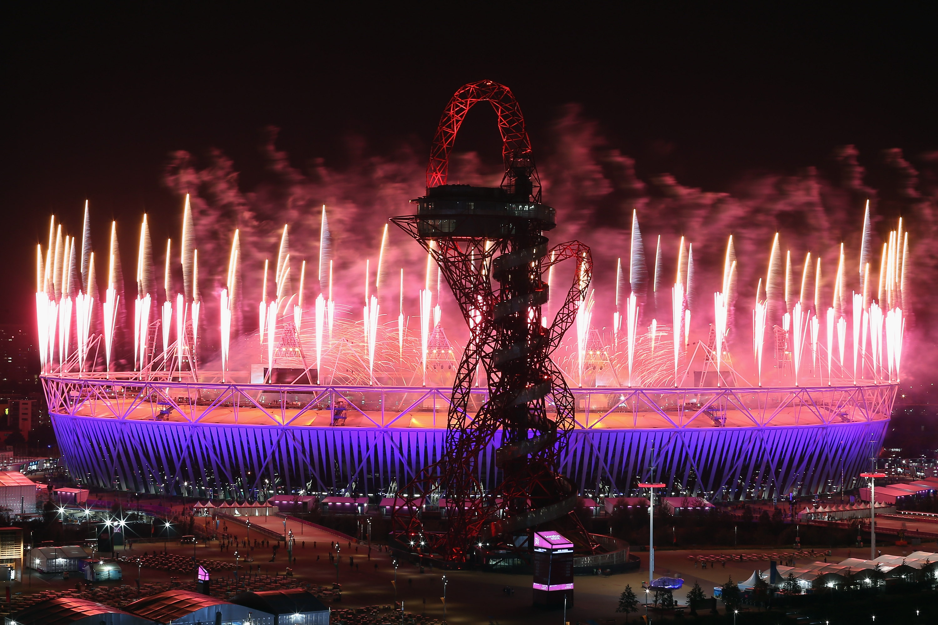 LONDON, ENGLAND - SEPTEMBER 09:  Fireworks illuminate the sky above the Olympic Park during the Closing Ceremony of the London 2012 Paralympic Games at Olympic Stadium on September 9, 2012 in London, England.  (Photo by Dan Kitwood/Getty Images)
