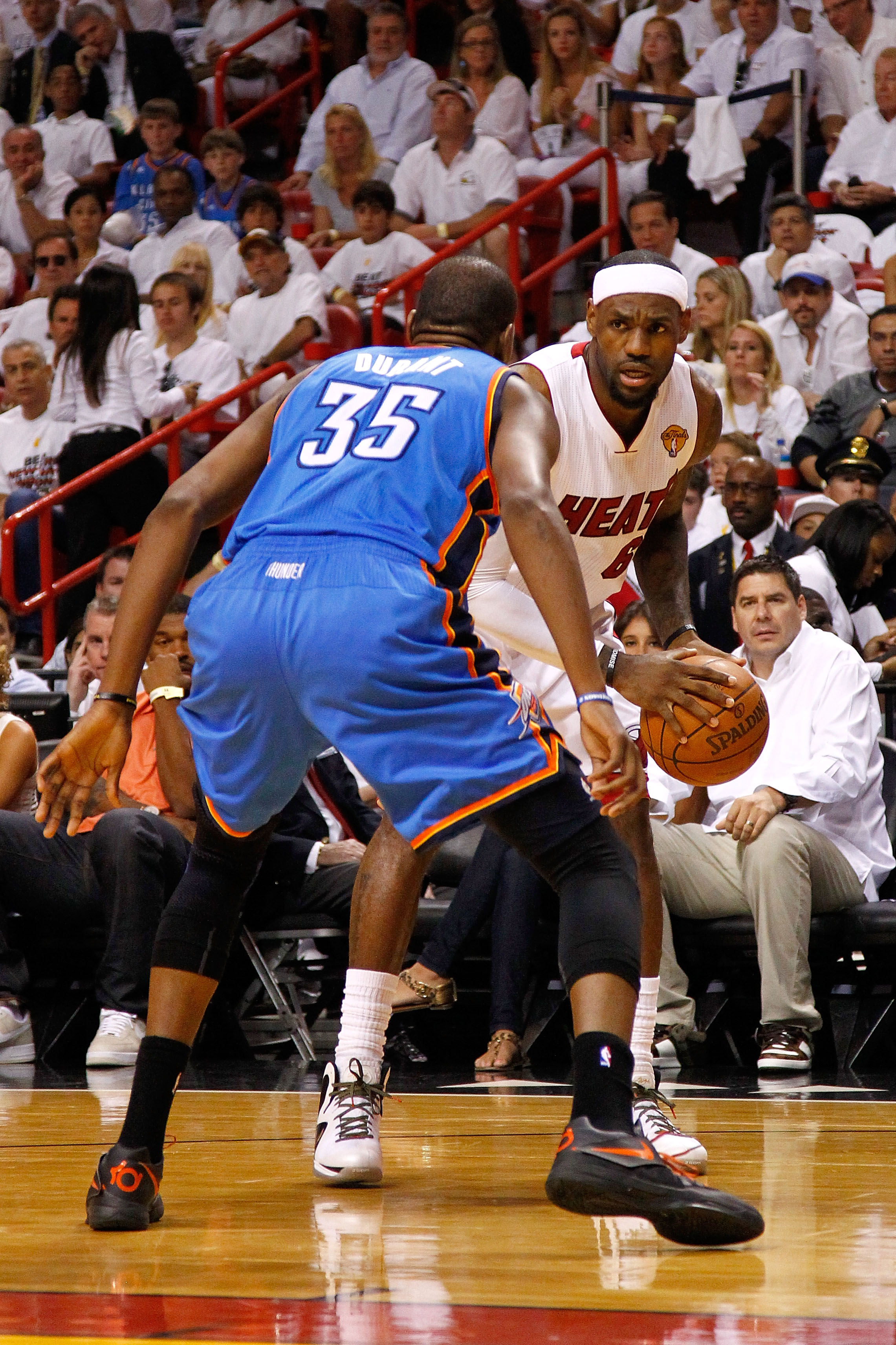 For the second straight game, LeBron James outclassed Kevin Durant in the fourth quarter. (Getty Images)