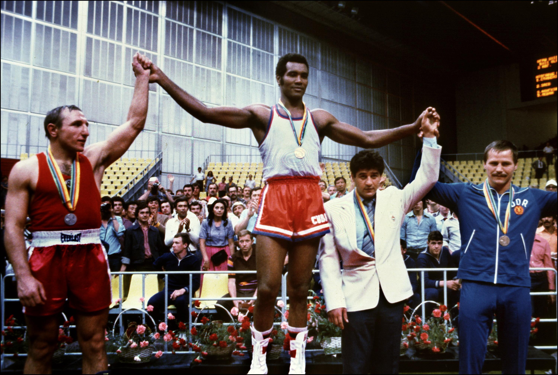 Cuban champion Teofilo Stevenson (C-gold