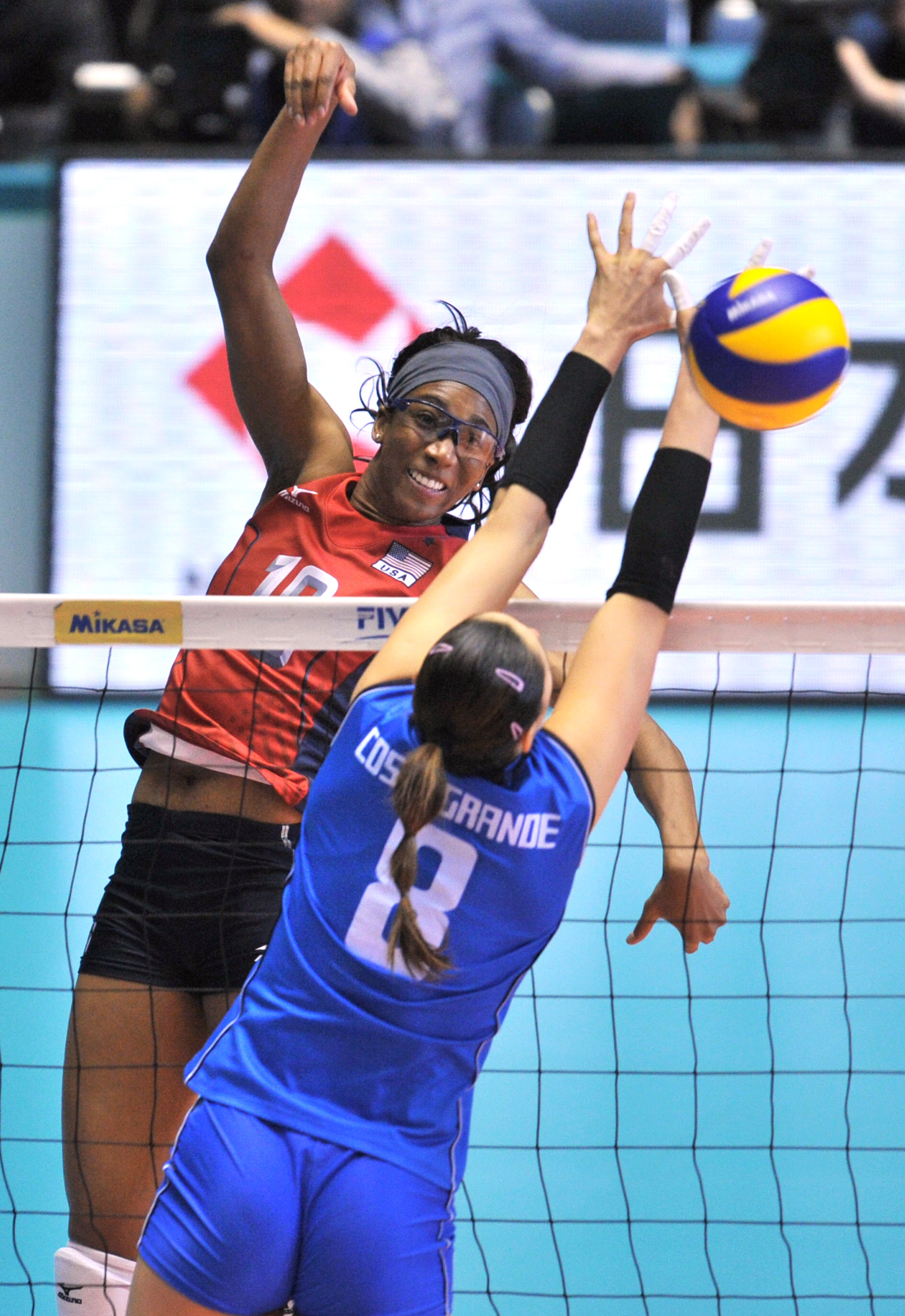 dating a volleyball player Cleveland browns vice president of player personnel alonzo highsmith discussed his team's decision to draft oklahoma ucla's volleyball team was in.