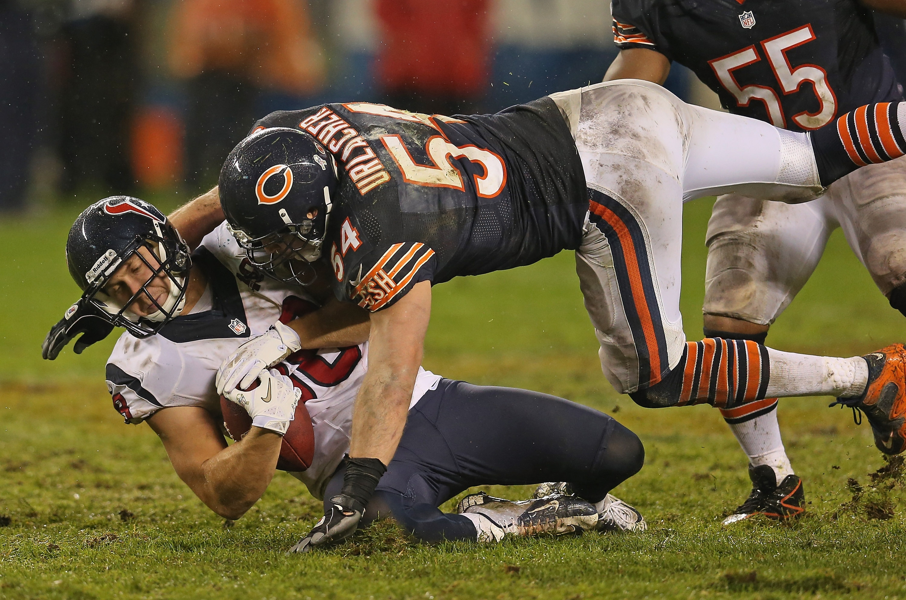CHICAGO, IL - NOVEMBER 11: Brian Urlacher #54 of the Chicago Bears hits Garrett Graham #88 of the Houston Texans at Soldier Field on November 11, 2012 in Chicago, Illinois. The Texans defeated the Bears 13-6. (Photo by Jonathan Daniel/Getty Images)