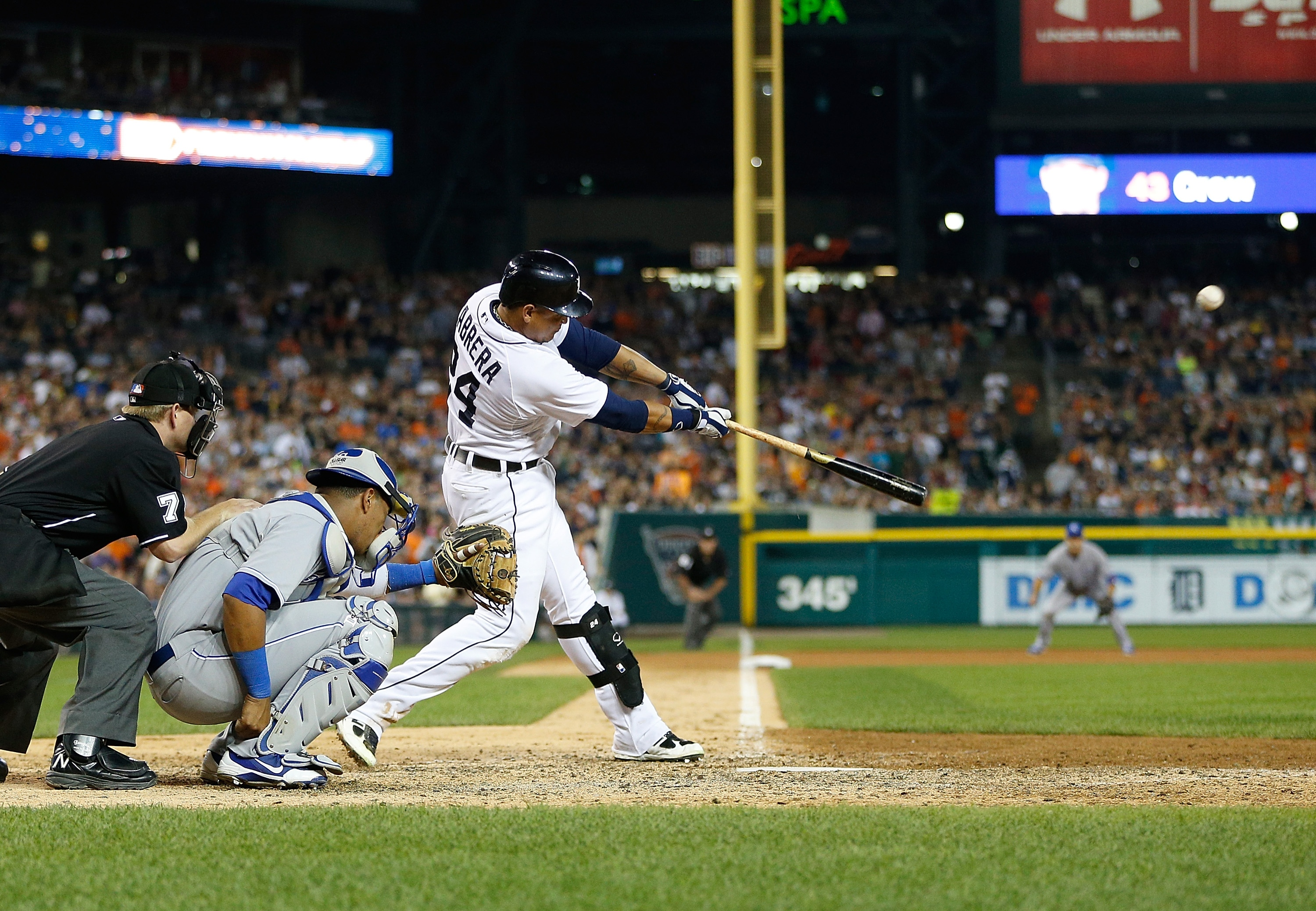 Miguel Cabrera hit a ninth-inning walk off home run against the Royals on Saturday. (Getty)