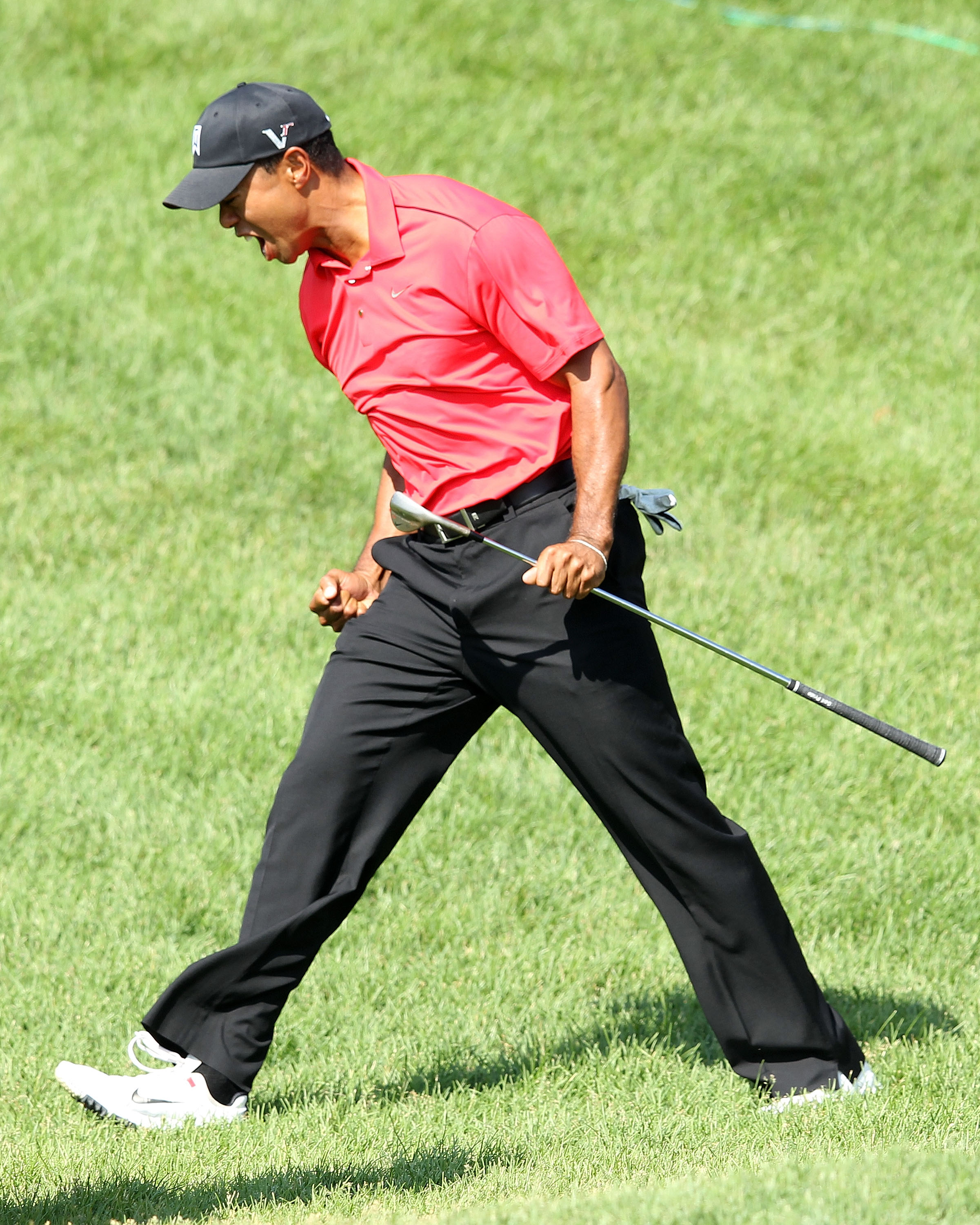 Tiger Woods chip-in at No. 16 at the recent Memorial was vintage Tiger. (Getty Images)