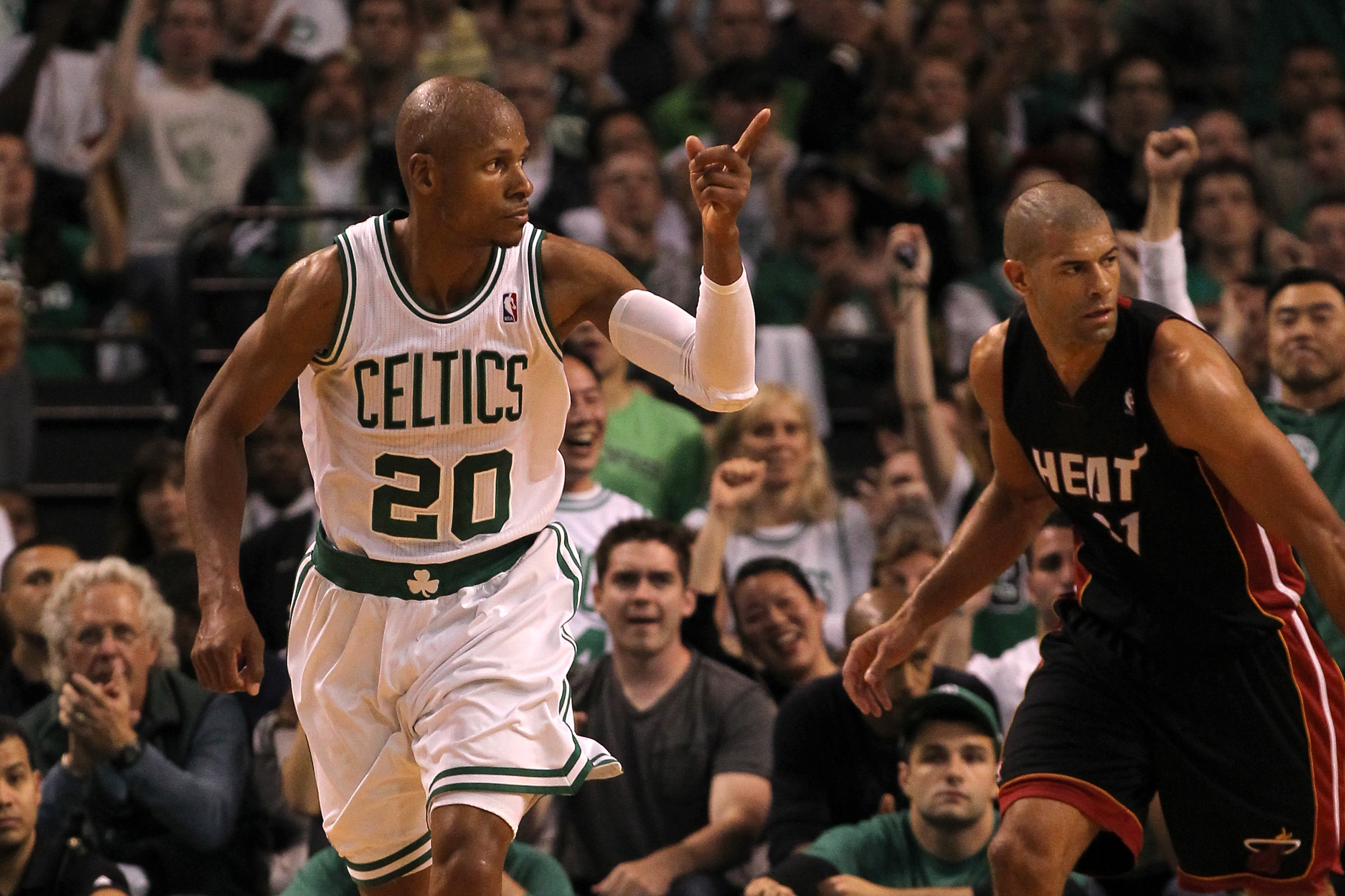 Free-agent guard Ray Allen is drawing interest from several teams, including the Heat. (Getty Images)