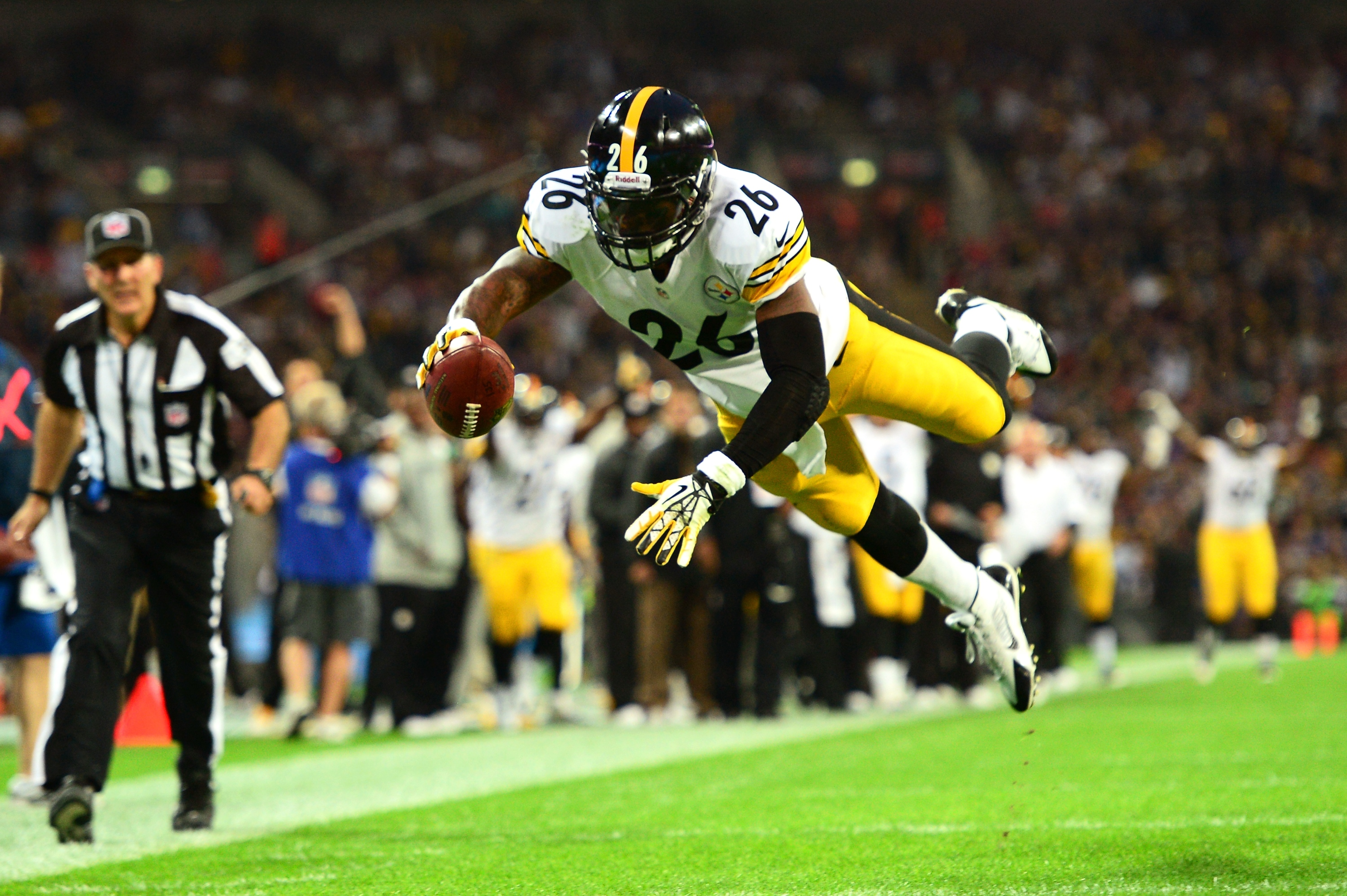 It didn't take long for Le'Veon Bell's NFL career to take flight. . (Getty)