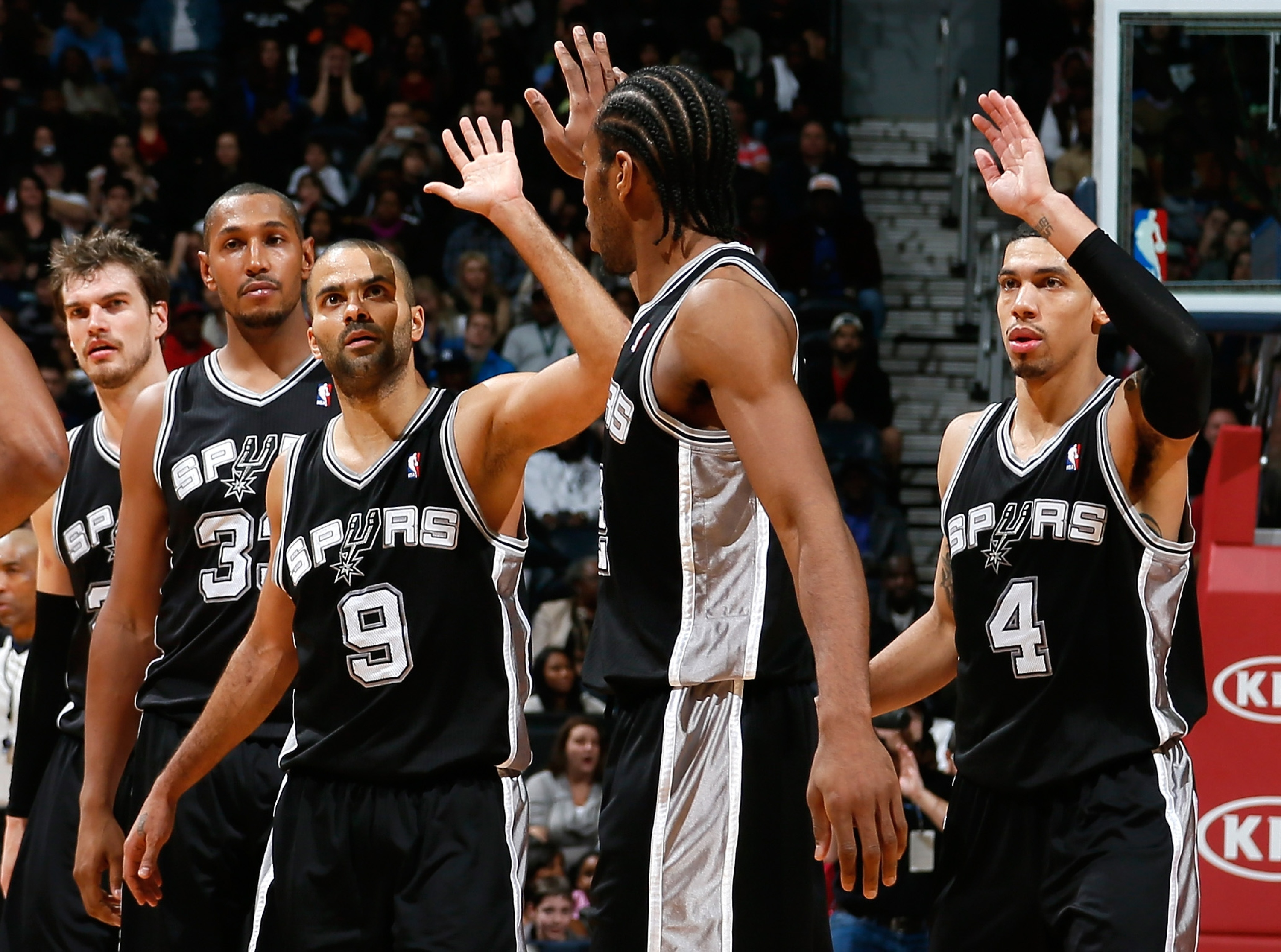 Point guard Tony Parker (9) and the Spurs are back on top. (Getty Images)