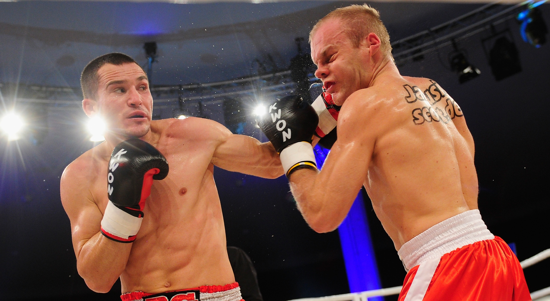 Simon Poskotin v Stathis Benov - WKU Super Middleweight World Championship