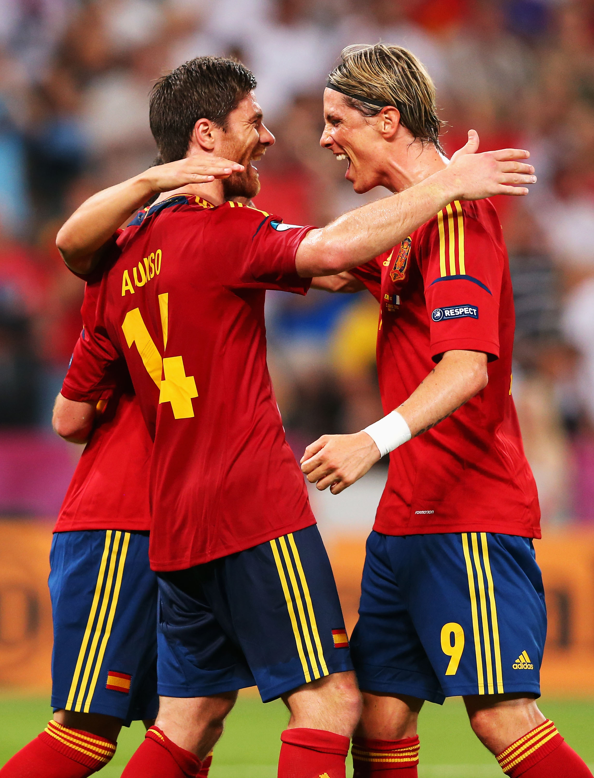 Criticism of Xabi Alonso (left) and Spain is growing. (Getty Images)