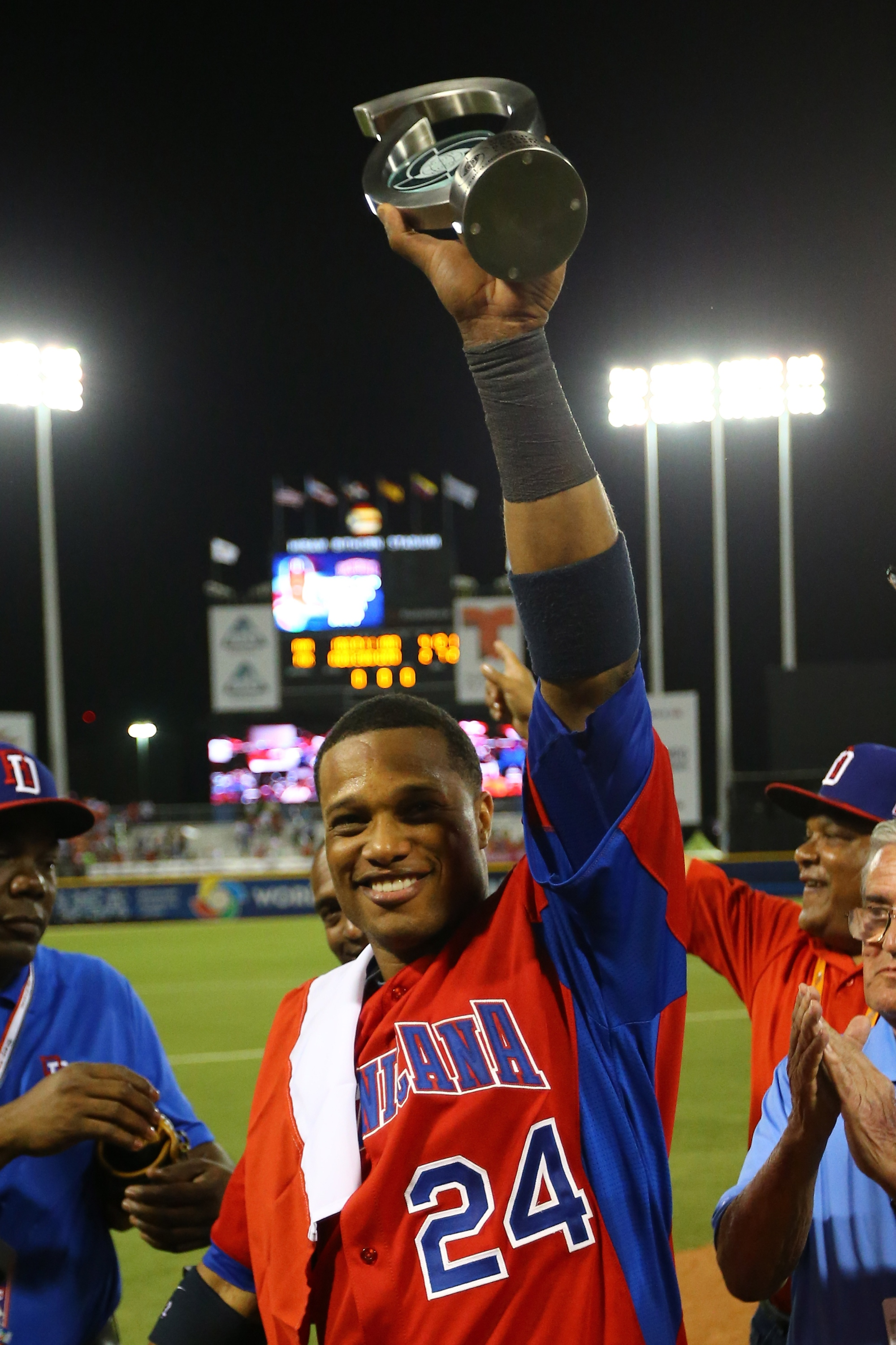 Robinson Cano helped the Dominican Republic go 3-0 in pool play. (Getty Images)