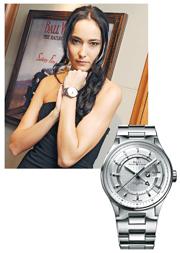 BALL BMW GMT $33,500﹕直徑42mm寬大銀色表盤,備時、分、秒針及3時位置的日期顯示窗,清晰顯示兩地時間。(攝影:鍾偉茵)