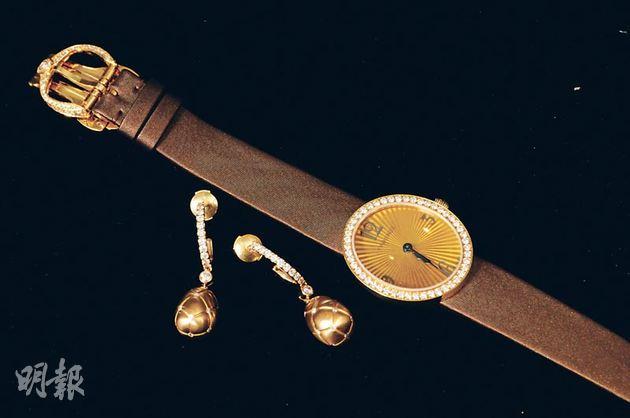 Anastasia 18K黃金鑽石手表$218,100,Matelassé復活蛋耳環$91,200。(攝影:梁迺楠)