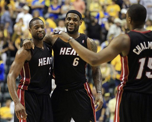 LeBron James' dominant performance helped lift Dwyane Wade in the Heat's Game 4 win. (AP)