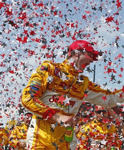 Hunter-Reay wins IndyCar race at Milwaukee