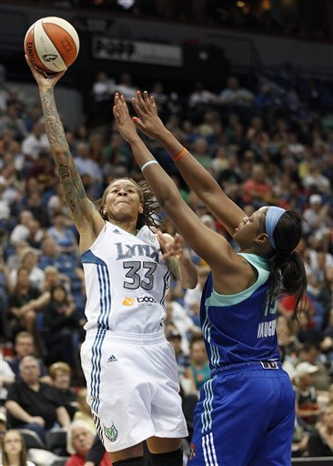 Augustus leads Lynx in 102-70 win over Liberty