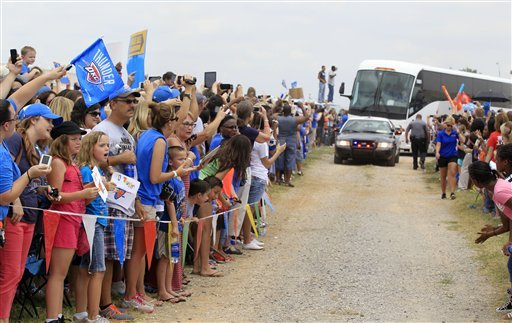 Thousands greet Thunder after NBA Finals loss