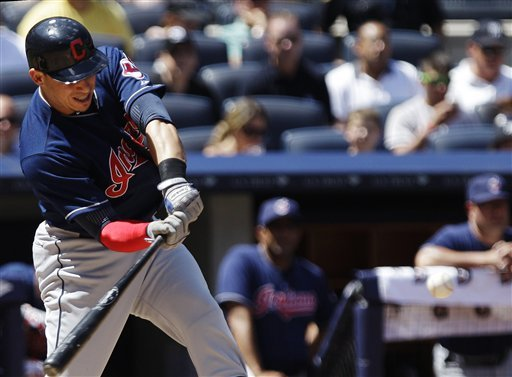 Pettitte fractures fibula in Yankees' 5-4 win