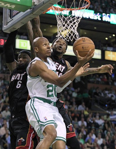 Heading South: Ray Allen accepts offer from Heat