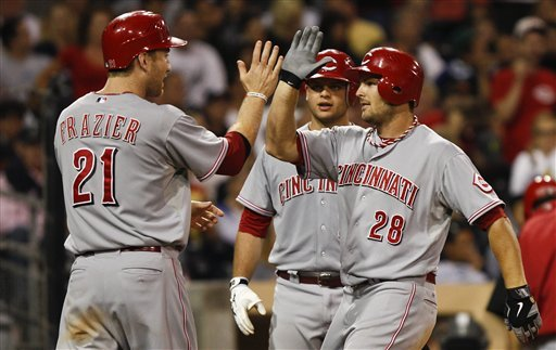 Reds use long ball for 6-5 win over Padres