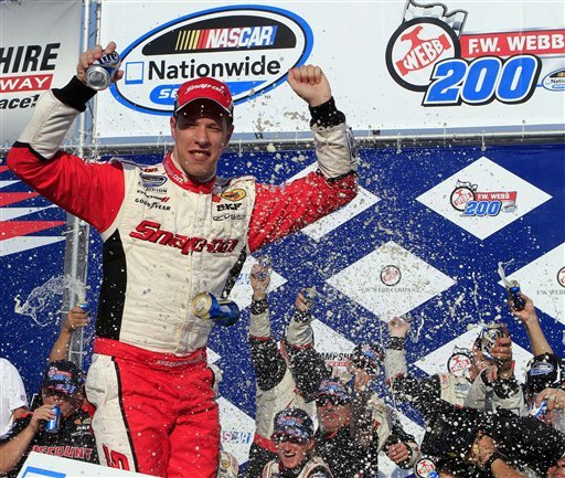 Keselowski wins Nationwide race with late charge
