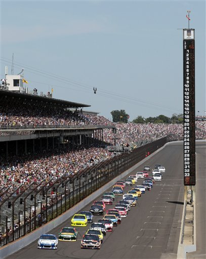Johnson dominant at Indy, wins 4th Brickyard 400