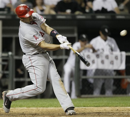 Pujols homers again, Angels beat White Sox in 10th