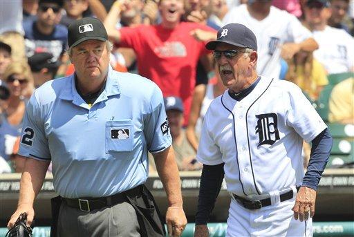 Cabrera's HR caps 5-run rally in 10th for Tigers