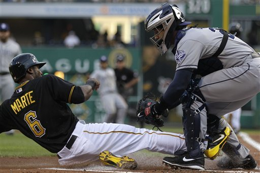 Pirates lose 9-8 to Padres