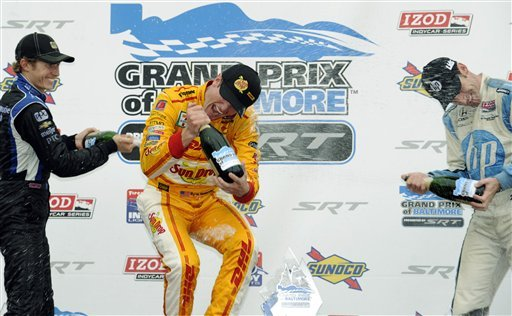Hunter-Reay win tightens IndyCar points race