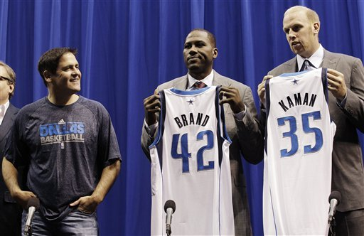 Mavs introduce 5 new veteran players