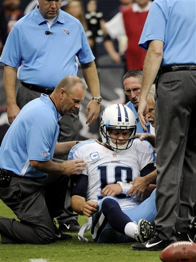 Titans: No structural damage to Locker's shoulder