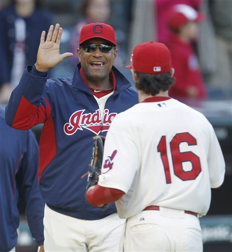 Indians interview Sandy Alomar Jr. to be manager
