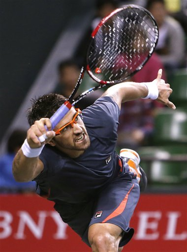 Murray advances to quarters at Japan Open